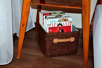 V obývačke - ten stolík by som chcela v lete ešte reštaurovať.
