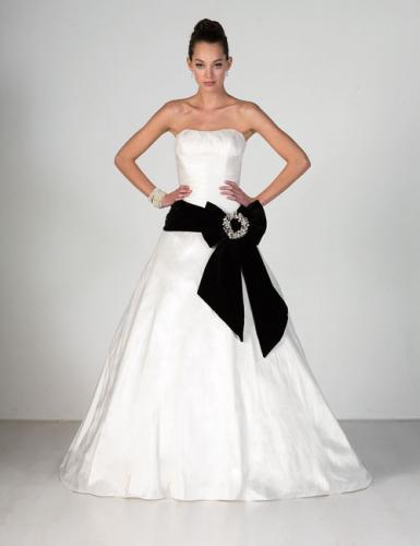 Najkrajšie svadobné šatičky - Obrázok č. 25