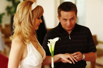 Omlouvám se za kopiii, ale moc se mi líbí nevěsta...v jednoduchosti je krása