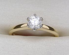 Môj snubný prsteň. 3D zlatníctvo, budú nám robiť aj obrúčky.