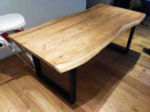 Novy stol v kuchyni