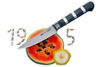 Super dva nože taktéž... Není nad praktické dárky ;-)