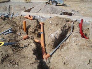 Pokládání kanalizace