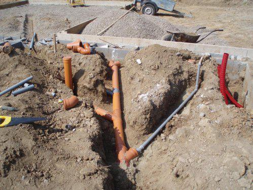 Tak stavíme!!! - Pokládání kanalizace