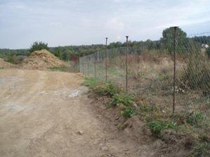 Stavěli jsme provizorní plot