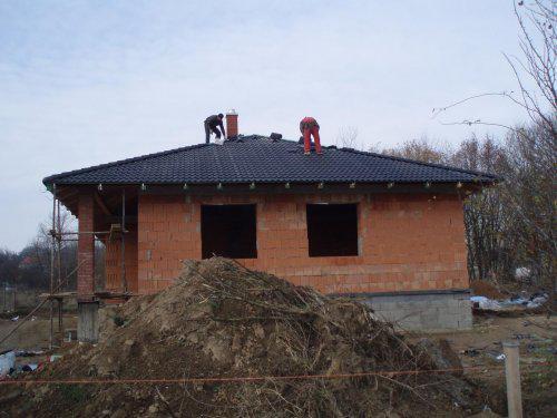 Tak stavíme II - Pohled od silnice - kuchyň, jídelní kout a obývák