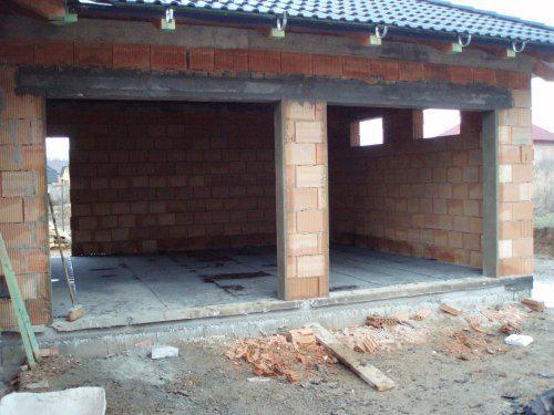 Tak stavíme II - Omítky u garážových vrat, připraveno na montáž vrat