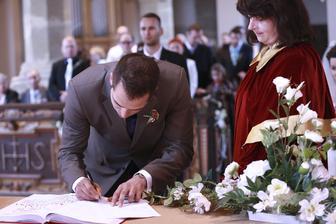 Lubo sa takmer podpísal namiesto starostu :D
