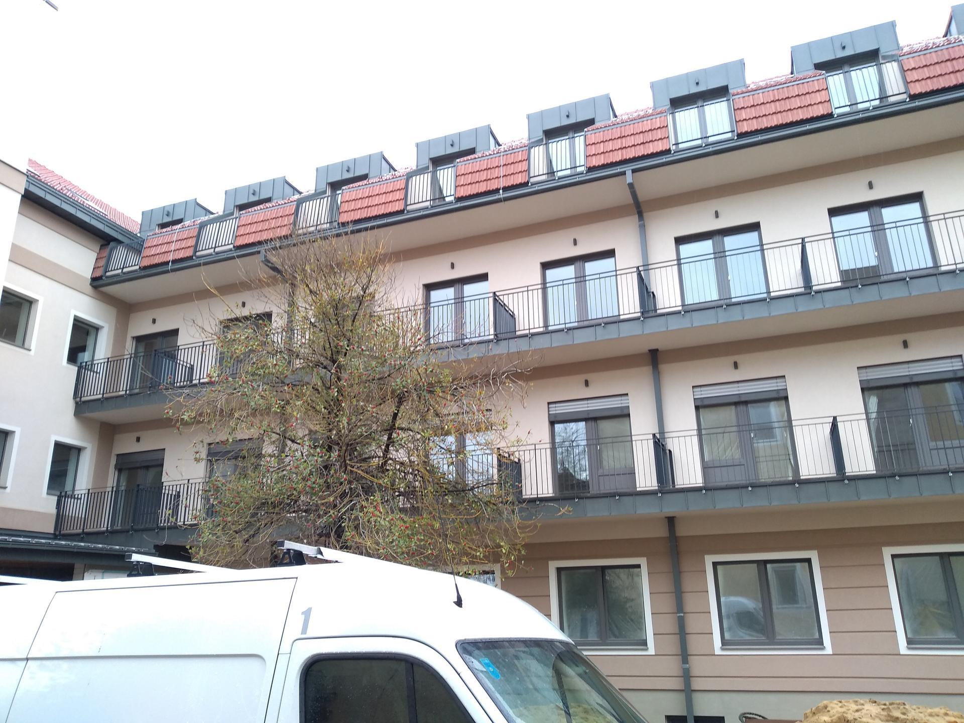 Exteriérové žalúzie - rekonštrukcia zdravotníckeho zariadenia Bratislava - Podunajské Biskupice - Exteriérové žalúzie K-system Bratislava