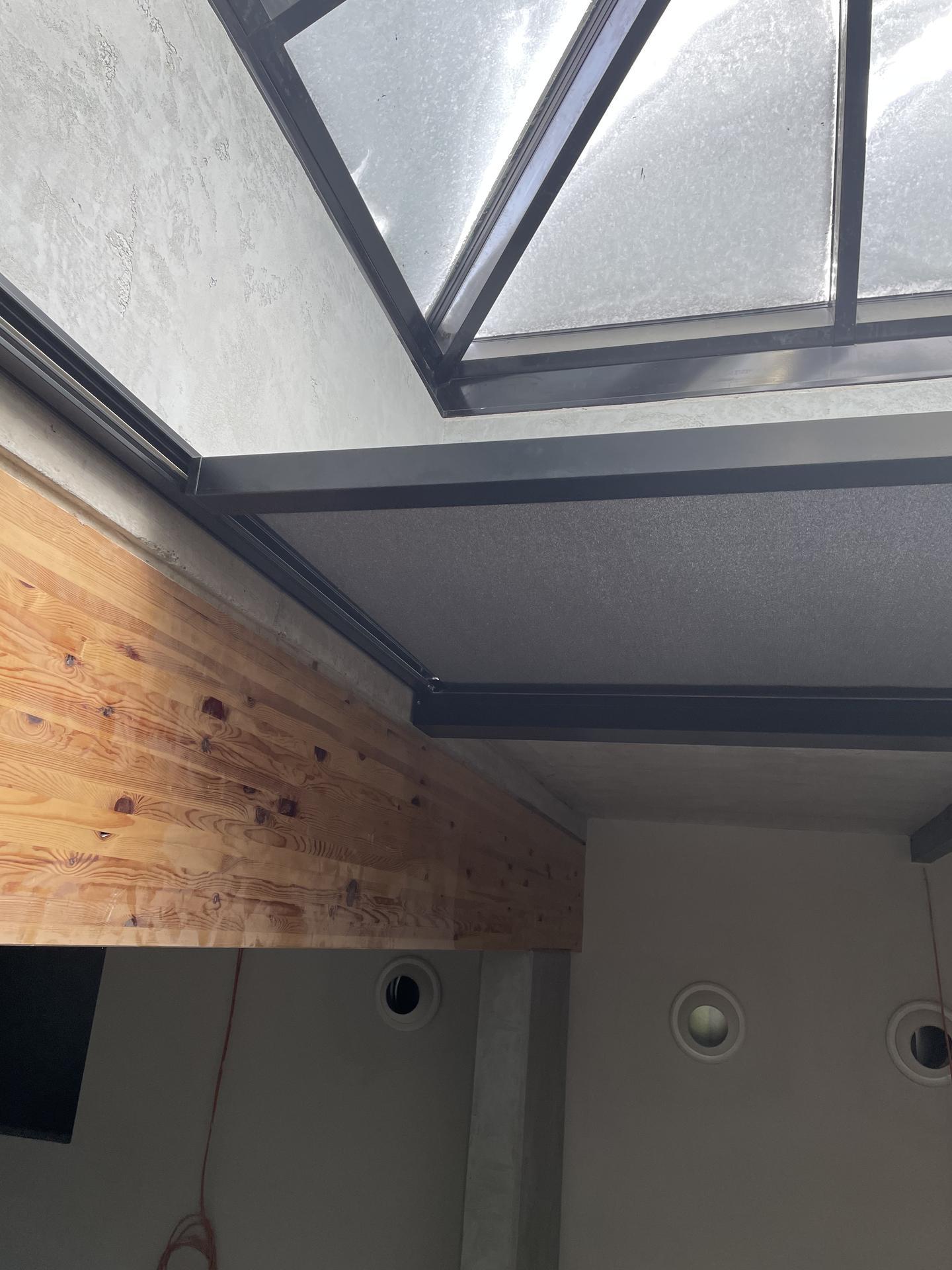 Zatienenie svetlíka - hotel Hills Stará Lesná - Zatienenie svetlíka - realizácia spoločnosti K-system