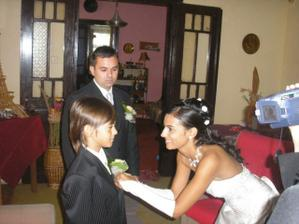 pripínanie pierka ženíchovi a nášmu synovi