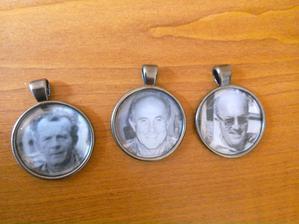 medailonky s našimi dědečky na květinu