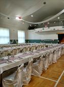 Stříbrné, šedé, růžové, bílé dekorace na svatbu,