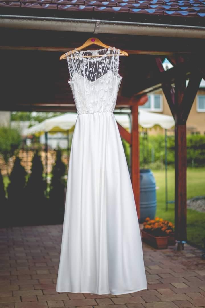 Svatební šaty vel.36 - Obrázek č. 1