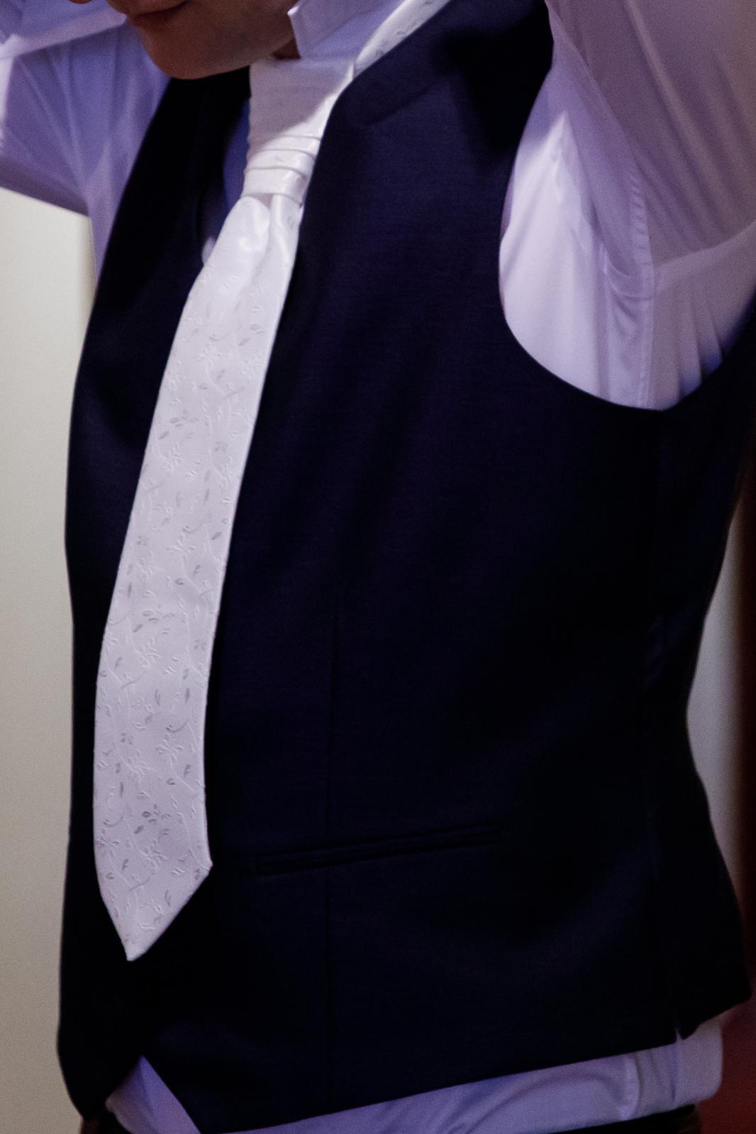Svadobná kravata s vreckovkou - Obrázok č. 2