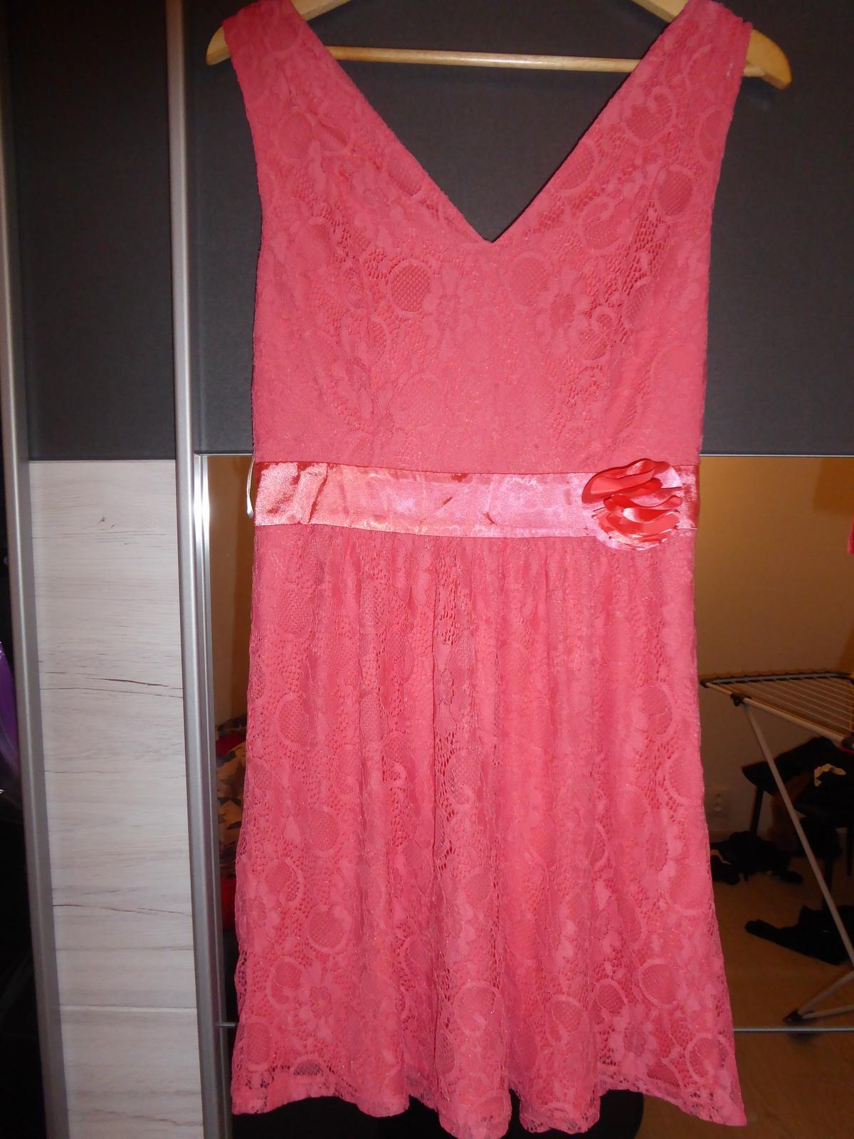 Krajkové šaty - Obrázek č. 4