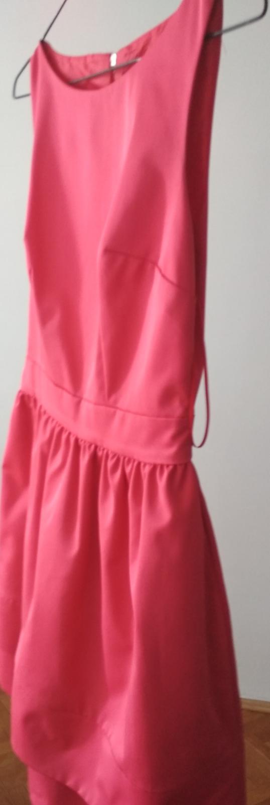 koktejlové šaty - Obrázek č. 1