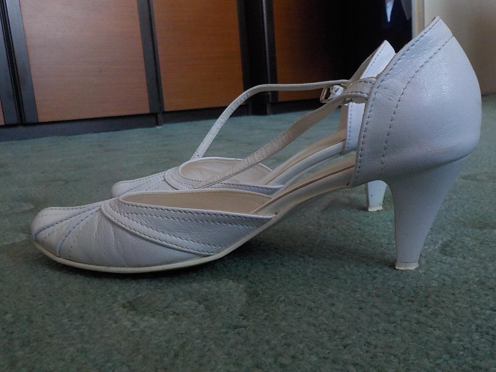 snehovobiele topánky - Obrázok č. 4