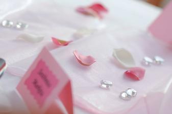 Tato barva na svatební tabuli zvítězila:-)