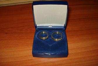 Naše prstýnky, trošku nepoměr:-)