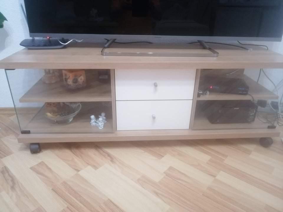 skrinka pod TV - Obrázok č. 1