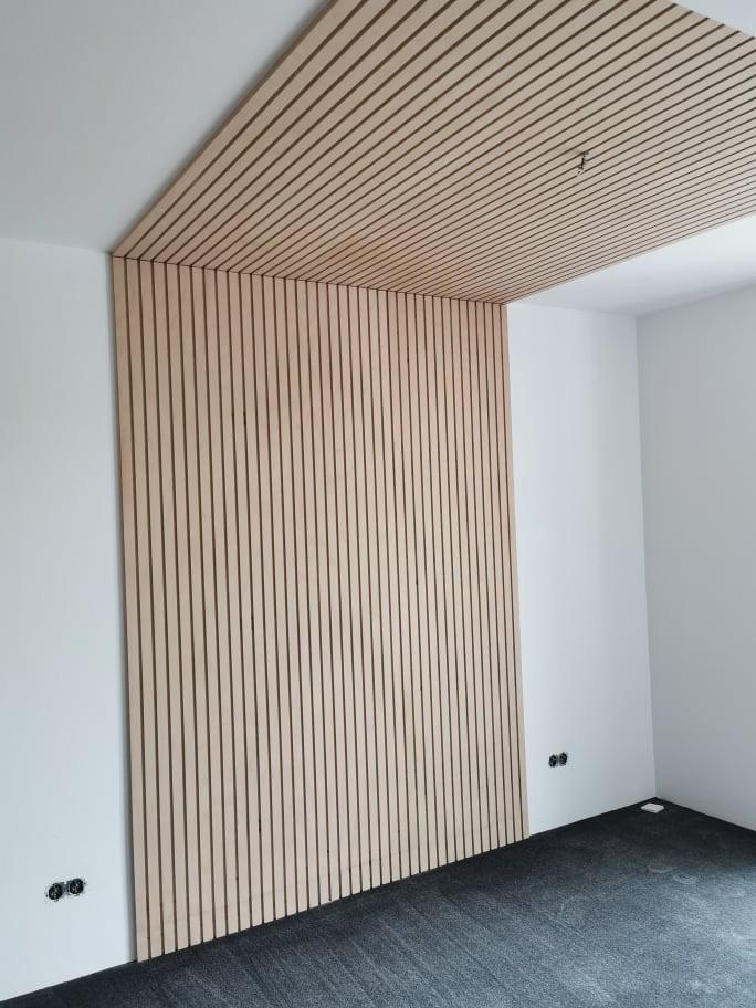 koner - lamelový panel stena + strop prevedenie natur