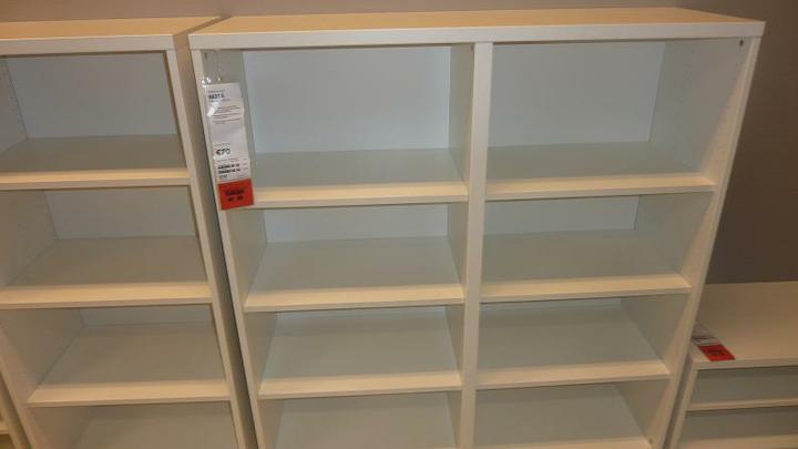 IKEA - biela inšpirácia na detskú izbu alebo spálňu - alebo toto (má aj zadnú stenu)