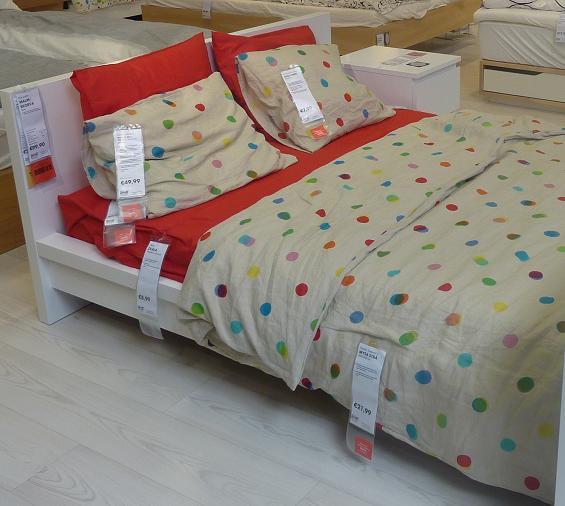 IKEA - biela inšpirácia na detskú izbu alebo spálňu - Kúpime túto MALM 200x140... aby sem-tam mohol s drobcom prespať aj tato