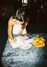 Poprvé jsem se podepsala jako mladá paní