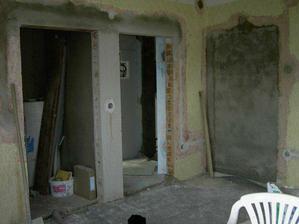 Další ložnice a dveře do šatny.