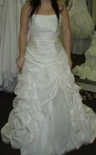 Adina 3 - moc nabíraná sukně a nebyly bílé