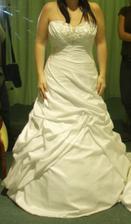 Andělské svatební studio - jako fakt nee, tyhle mi vybrala slečna
