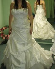 Andělské svatební studio - taky nee a ke všemu nebyly bílé, ale i tak ne