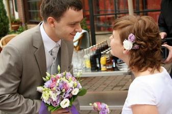 předání kytky/korsáže
