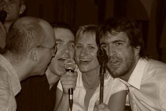 večerní karaoke