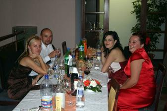 kamarati Juraj, Janka, Katka a sesternica Miska
