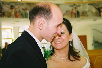 ...novomanželský bozk, ktorý fotograf nestihol...:o)