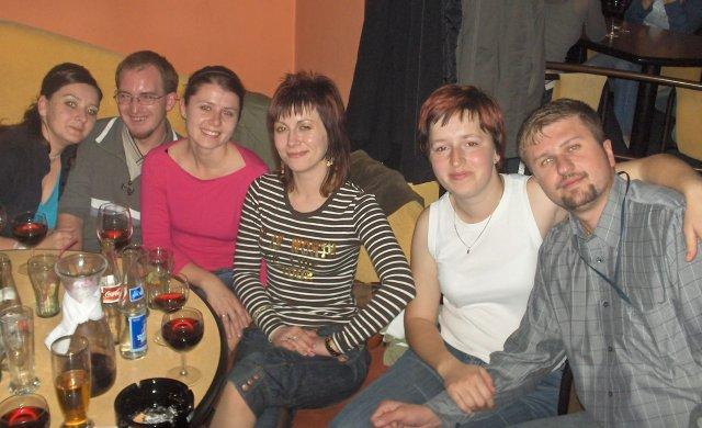 Elen{{_AND_}}Tibor - ...druhá polovica. ale inak sme sedeli všetci spolu