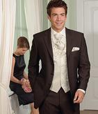 velmi pekny oblek