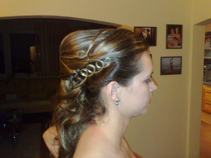 20.08.2011 - tento účes som mala na jednej svadbe
