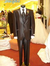 Oblek mojho buduceho mažela:)))takto nejak by mal vyzerať..čokoladkový:)
