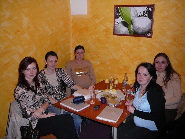 Monika a Milan - Stretko - marec 2007.Očný klam - na obrázku je nás 8 :-)