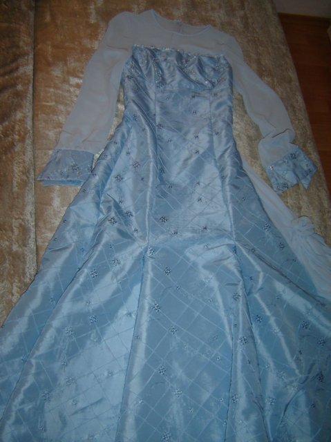 Monika a Milan - šaty na prezlečenie