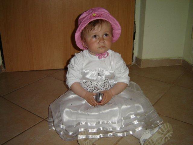 Monika a Milan - aj krstniatko Emmuška sa pripravovala