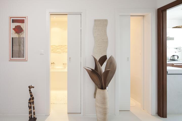 Dvere, co nezaberaju miesto - zasuvacie do stavebneho puzdra inspiracia pre @evaa.s - stavebne puzdro UNIBOX do malych priestorov, 2 dvere sa zasuvaju do 1 puzdra