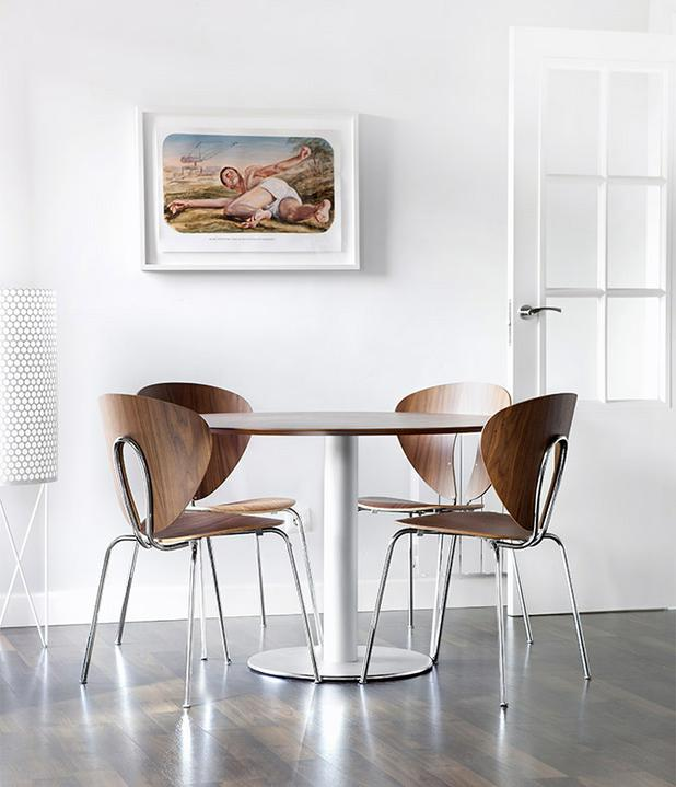 Oriesok - - orechova Globus chair