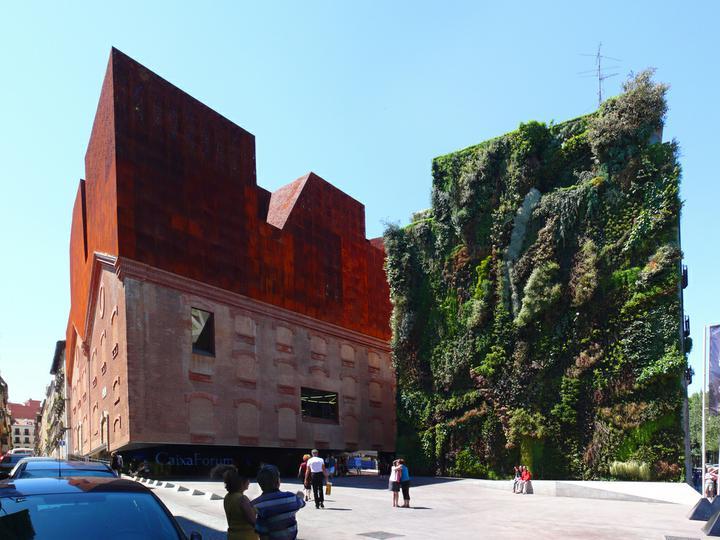 Zelene fasady - Fasády sú nápadné a vždy veľmi krásne (Madrid)