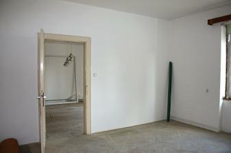 prechod medzi 2 izbami priečka zmizne