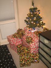 Nas prvy vianocny mini stromcek a darceky