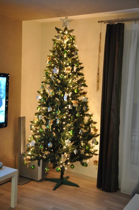 Prerábka domčeka - pred a po.... 06/2011 - 1. vianoce v novom domčeku....  zeleno- strieborné
